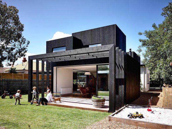 renovation-nineteenth-century-italianate-victorian-masonry-elegant-restrained-timber-addition-accommodate-young-family-04