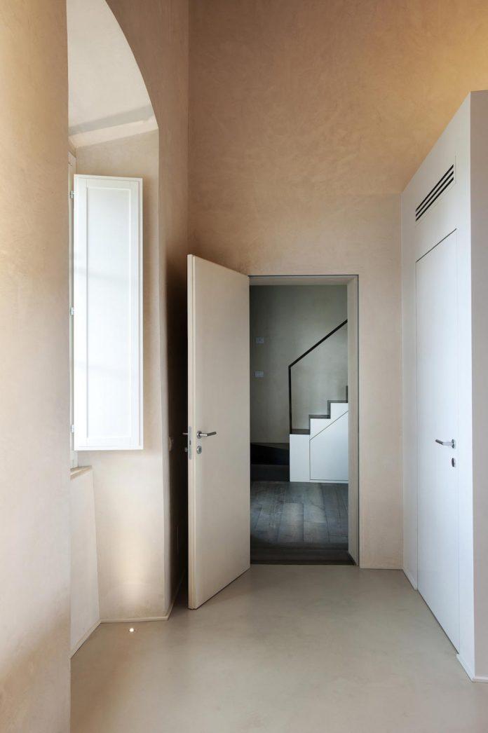 renovation-xv-century-farm-contemporary-villa-town-monteriggioni-08