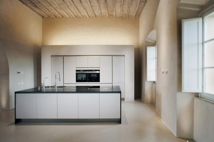 renovation-xv-century-farm-contemporary-villa-town-monteriggioni-09