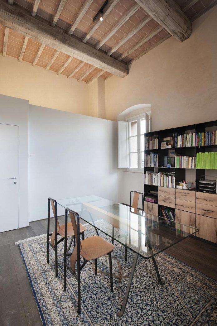 renovation-xv-century-farm-contemporary-villa-town-monteriggioni-18