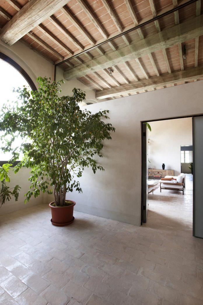 renovation-xv-century-farm-contemporary-villa-town-monteriggioni-23