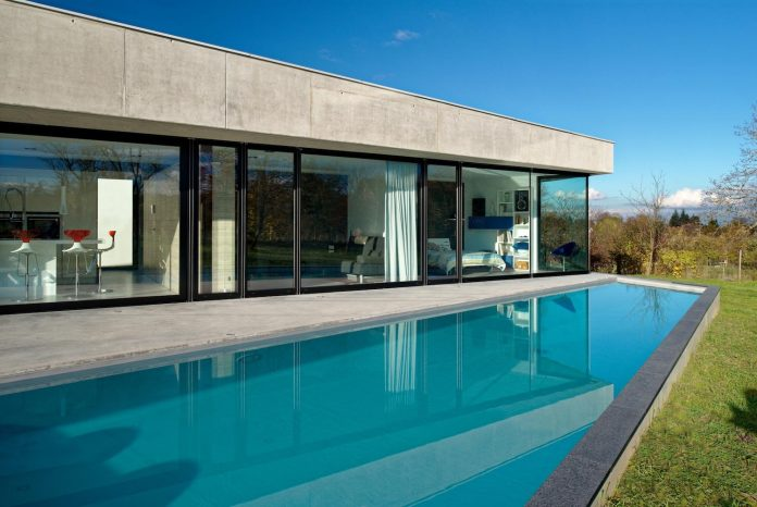 s-villa-designed-ideaa-architectures-fitted-bucolic-rural-land-small-village-eastern-france-08
