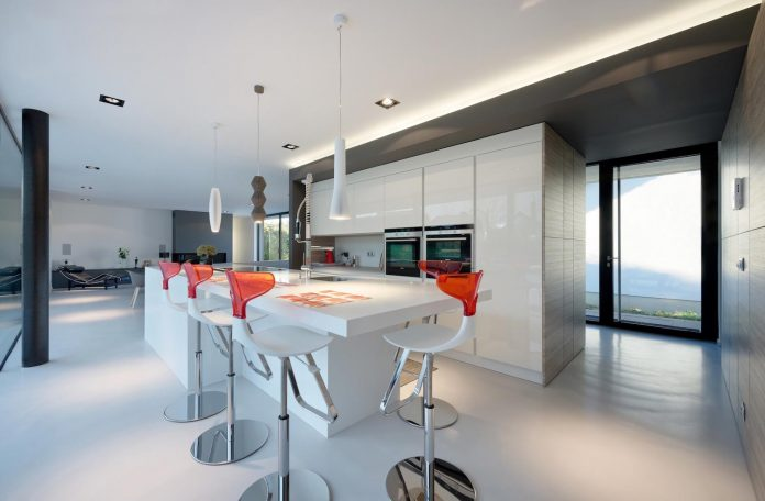 s-villa-designed-ideaa-architectures-fitted-bucolic-rural-land-small-village-eastern-france-15