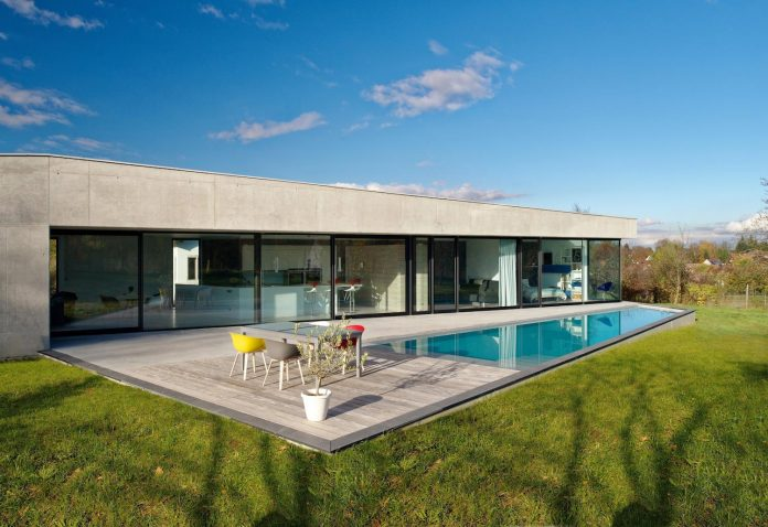s-villa-designed-ideaa-architectures-fitted-bucolic-rural-land-small-village-eastern-france-30