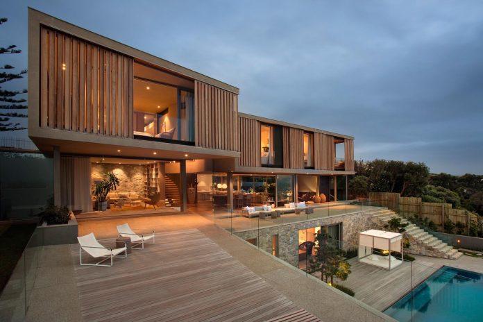 saota-designed-beachyhead-residence-modern-plettenberg-bay-home-near-beach-great-sea-views-07