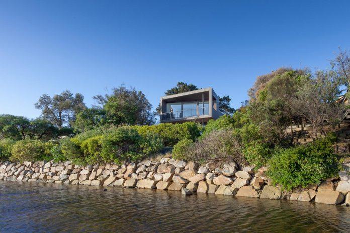 semi-permanent-residence-couple-dog-sporadic-visitors-designed-open-studio-pty-ltd-02