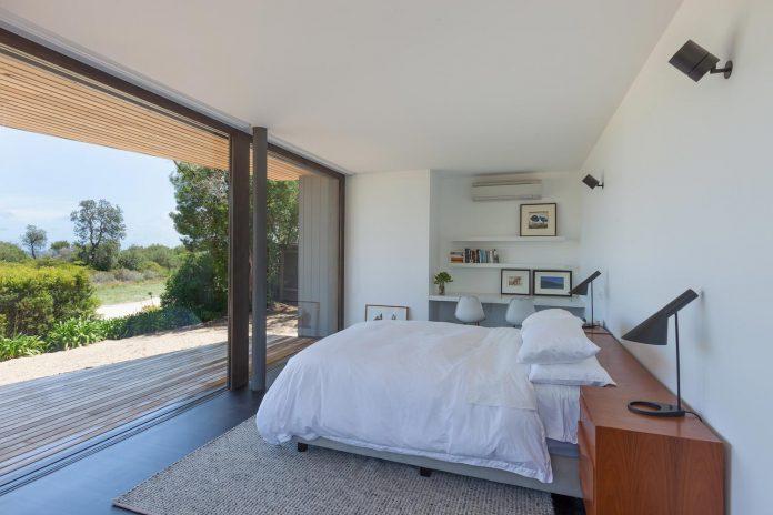 semi-permanent-residence-couple-dog-sporadic-visitors-designed-open-studio-pty-ltd-10