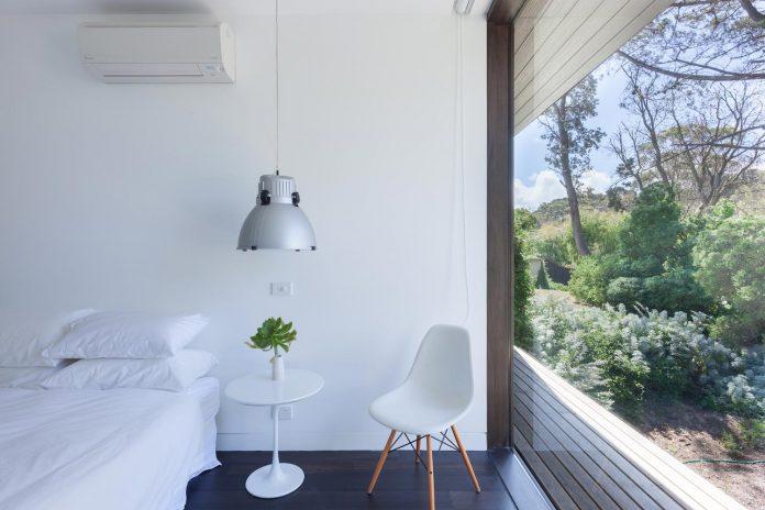 semi-permanent-residence-couple-dog-sporadic-visitors-designed-open-studio-pty-ltd-11
