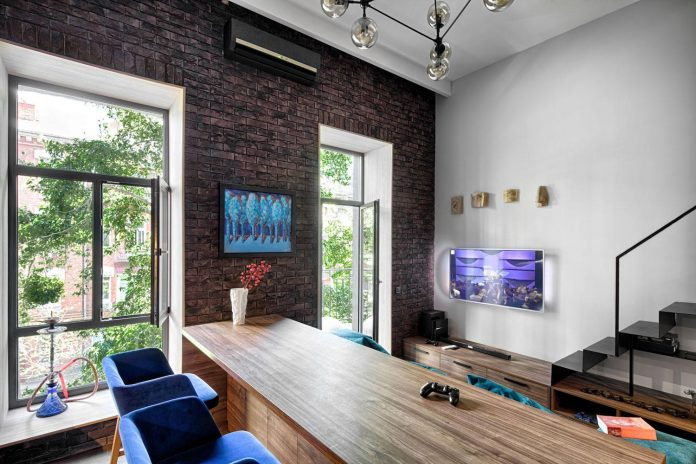 small-apartment-historical-center-kiev-designed-one-person-05