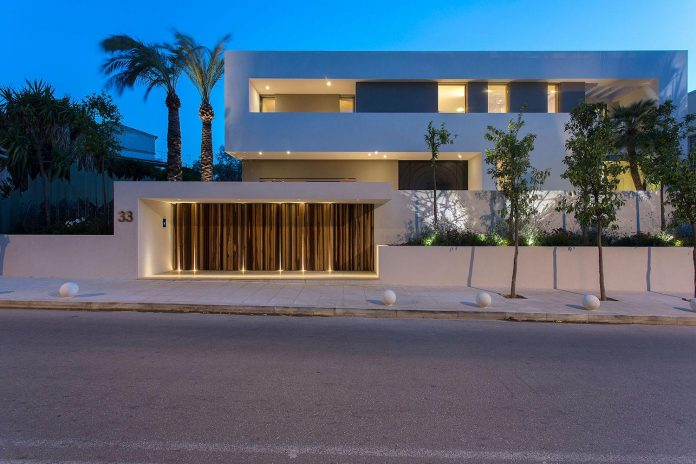 small-exotic-paradise-l-shaped-form-modern-home-athens-designed-moustroufis-architects-30