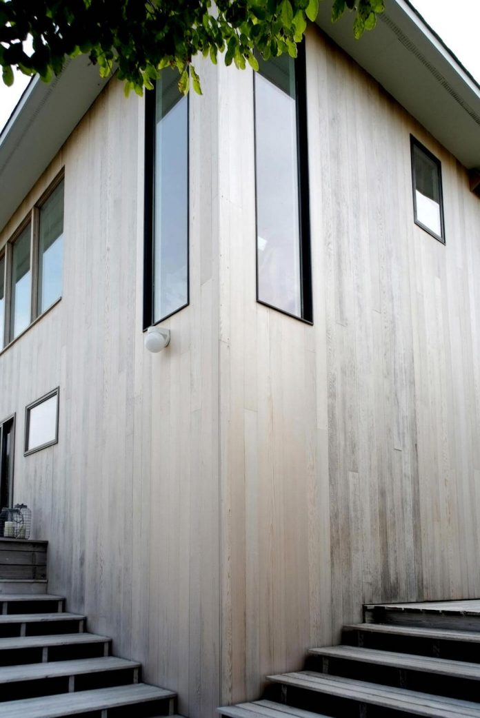 space-exploration-designed-montauk-beach-house-three-story-split-level-home-young-family-01