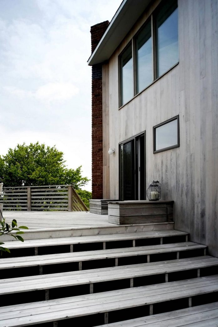 space-exploration-designed-montauk-beach-house-three-story-split-level-home-young-family-02