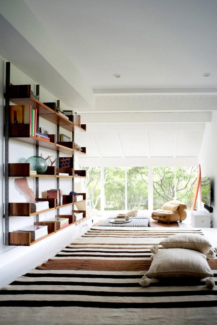 space-exploration-designed-montauk-beach-house-three-story-split-level-home-young-family-05