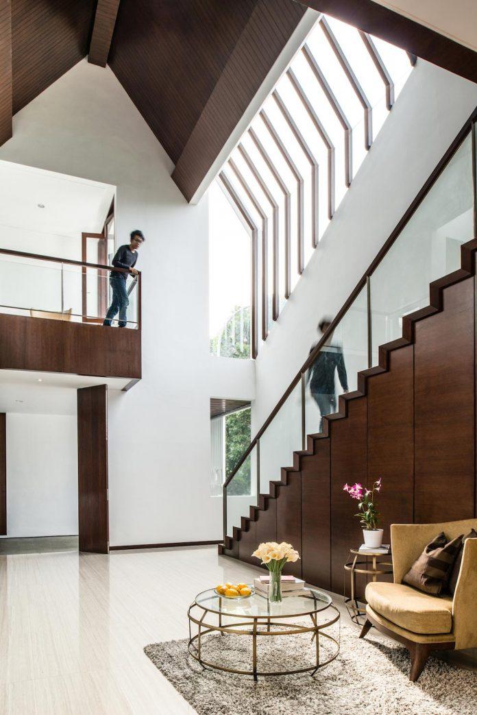 spouse-two-floors-house-jakarta-parametr-architecture-05
