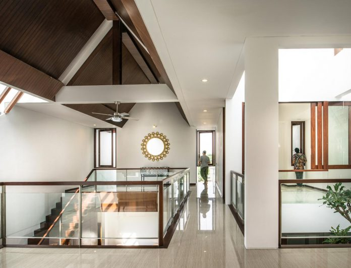 spouse-two-floors-house-jakarta-parametr-architecture-12
