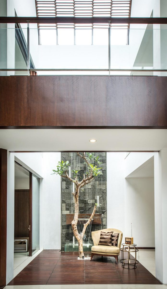 spouse-two-floors-house-jakarta-parametr-architecture-15