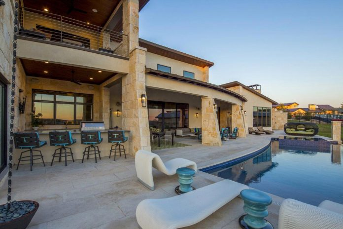 Stretched Across Ridge Austins Spanish Oaks Contemporary Hill  ...