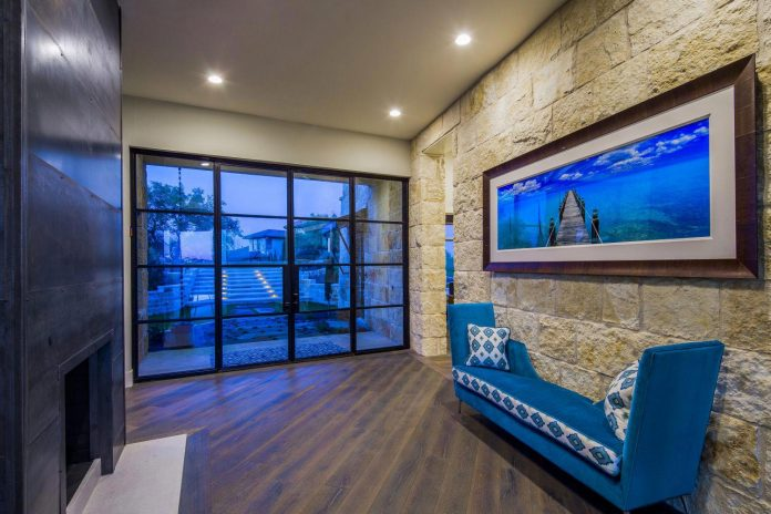 stretched-across-ridge-austins-spanish-oaks-contemporary-hill-country-home-design-overlook-valley-spilling-12