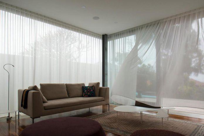 timber-box-home-sits-top-glass-box-renovation-sydney-01