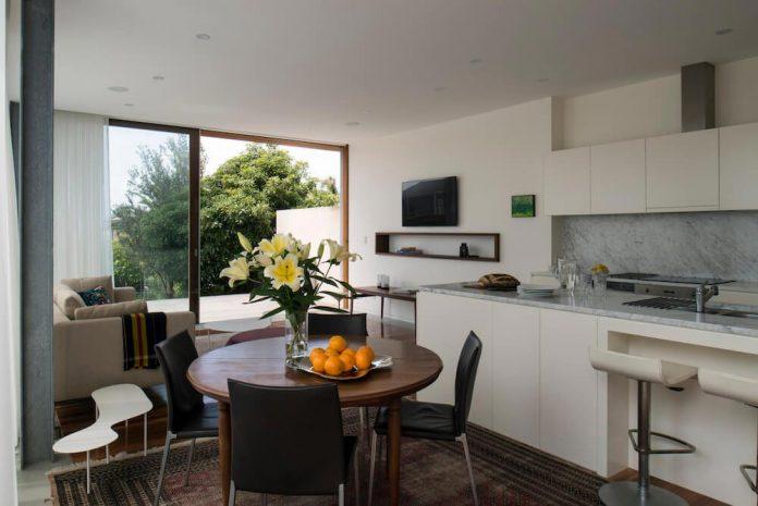timber-box-home-sits-top-glass-box-renovation-sydney-05