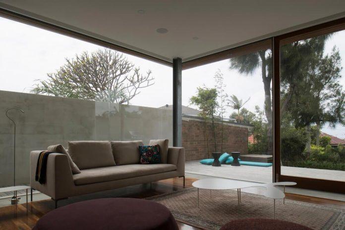 timber-box-home-sits-top-glass-box-renovation-sydney-09