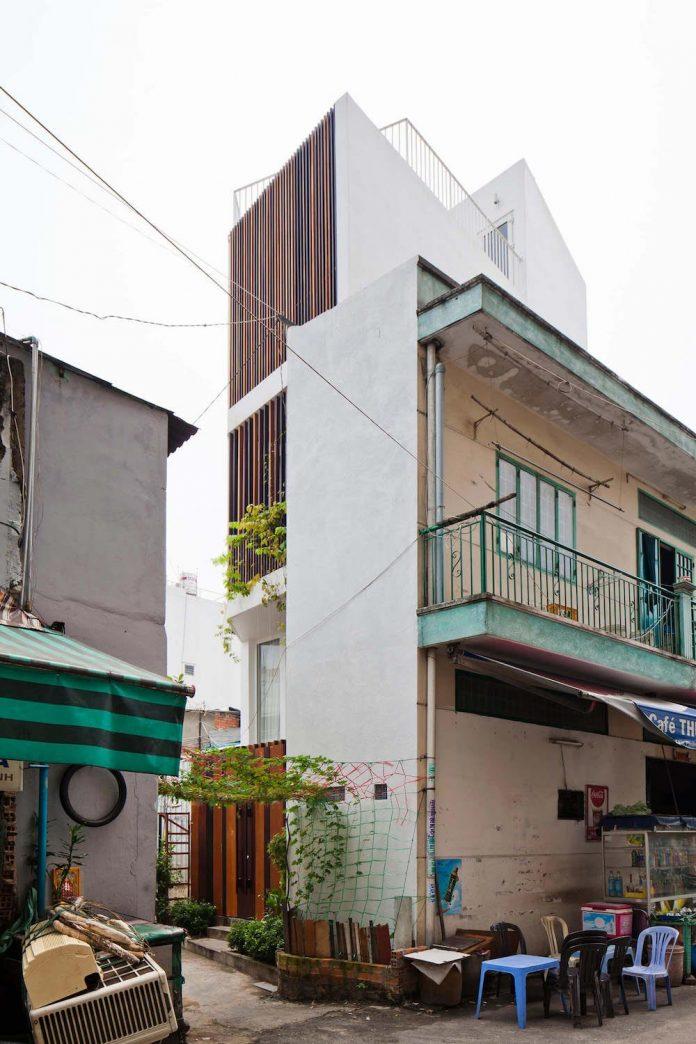 tiny-irregular-shaped-4m-wide-8m-deep-plot-home-ho-chi-minh-city-designed-mm-architects-03