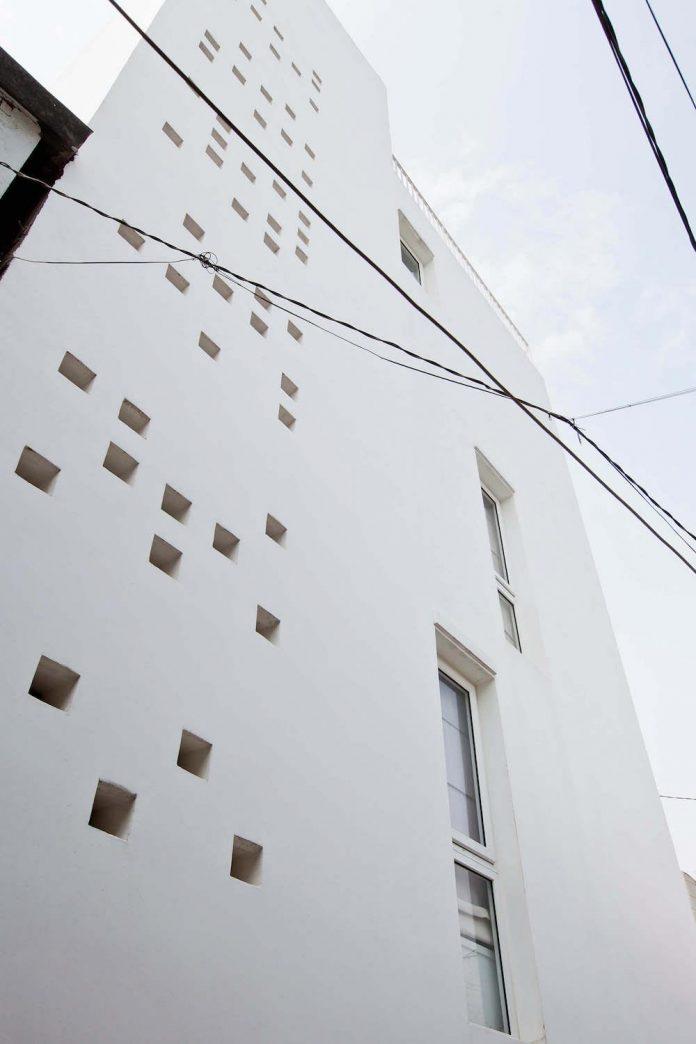 tiny-irregular-shaped-4m-wide-8m-deep-plot-home-ho-chi-minh-city-designed-mm-architects-04