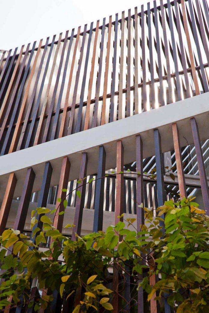 tiny-irregular-shaped-4m-wide-8m-deep-plot-home-ho-chi-minh-city-designed-mm-architects-06