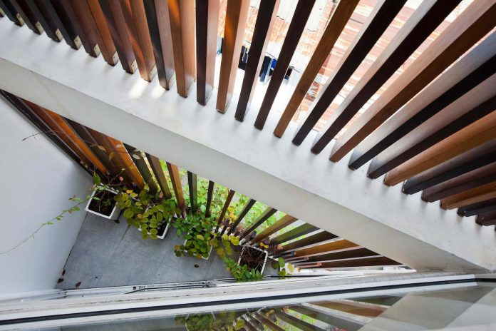 tiny-irregular-shaped-4m-wide-8m-deep-plot-home-ho-chi-minh-city-designed-mm-architects-08