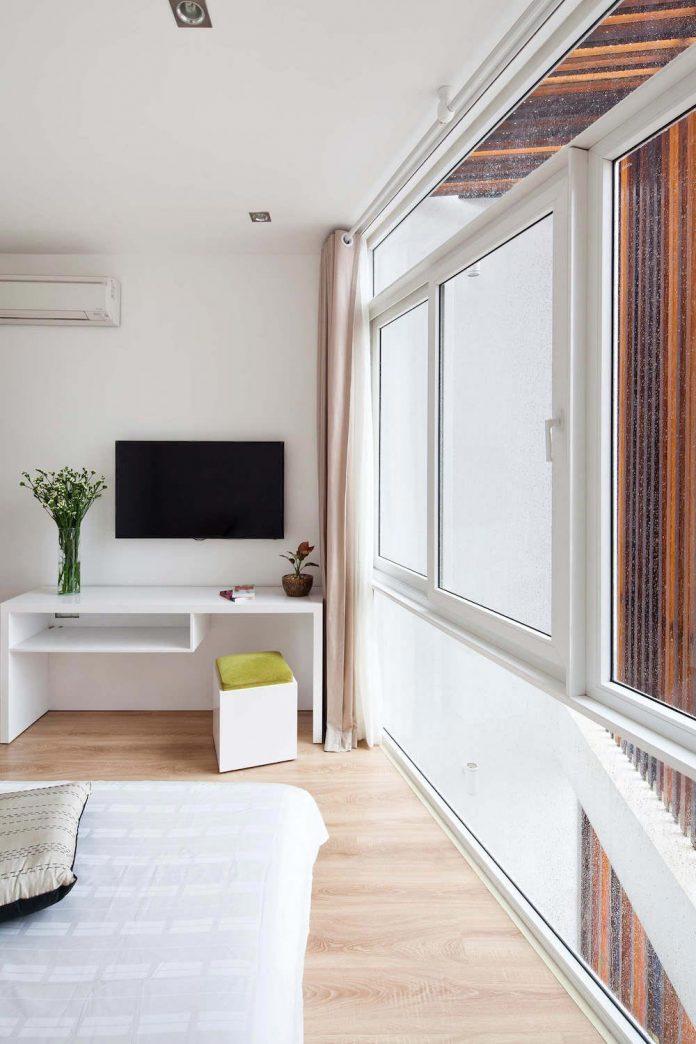 tiny-irregular-shaped-4m-wide-8m-deep-plot-home-ho-chi-minh-city-designed-mm-architects-16