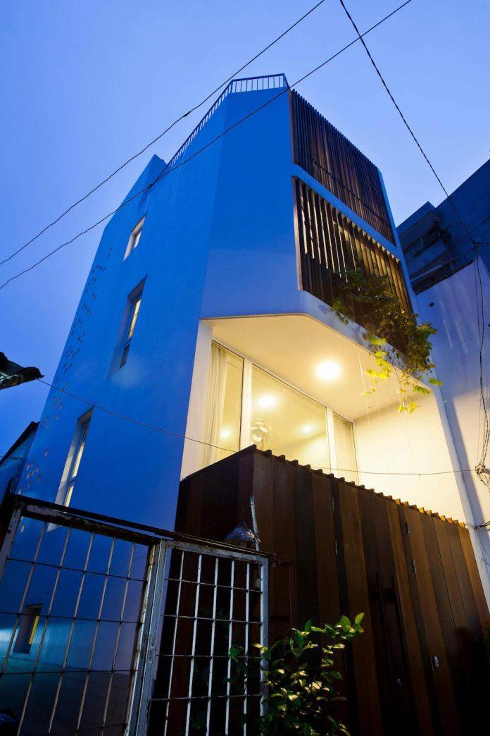 tiny-irregular-shaped-4m-wide-8m-deep-plot-home-ho-chi-minh-city-designed-mm-architects-18