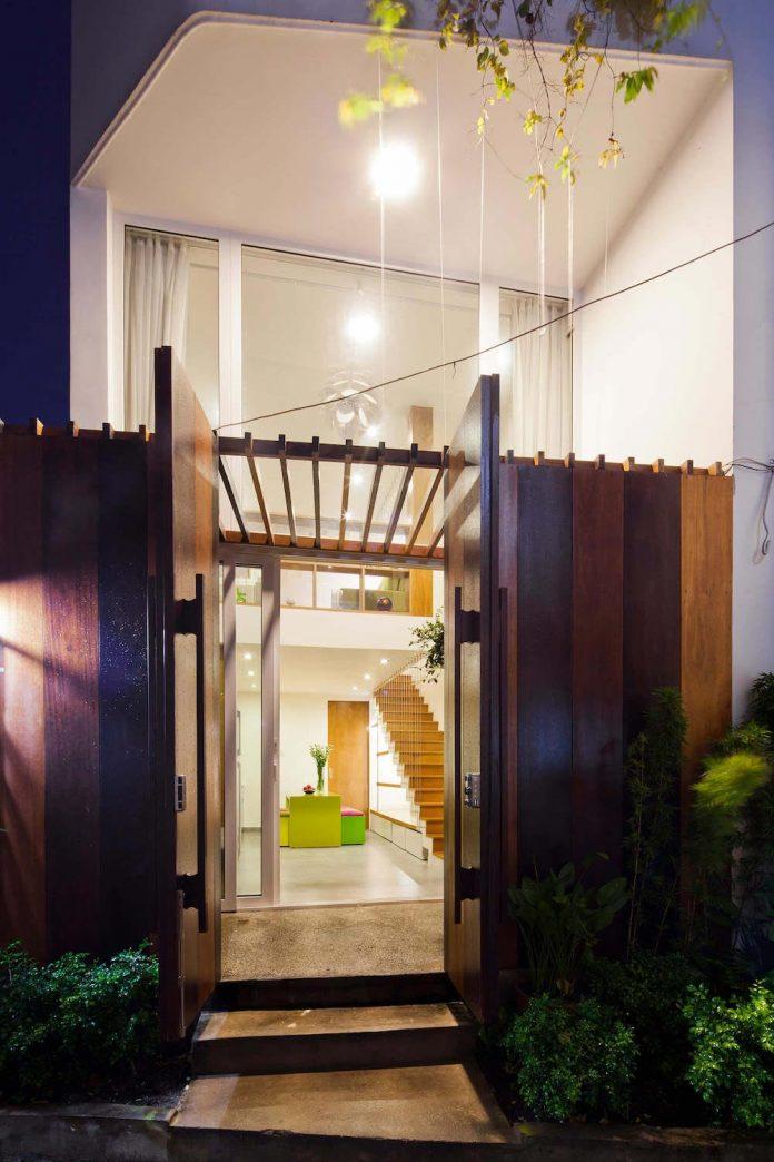 tiny-irregular-shaped-4m-wide-8m-deep-plot-home-ho-chi-minh-city-designed-mm-architects-20
