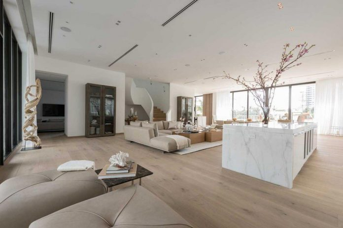 todd-michael-glaser-designed-contemporary-waterfront-villa-miami-beach-04