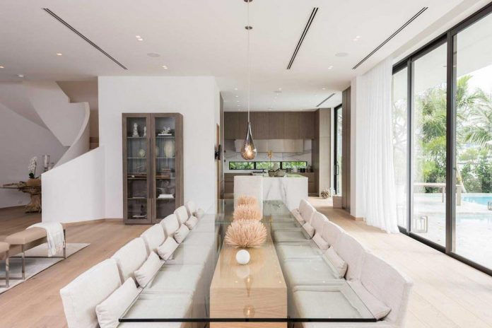 todd-michael-glaser-designed-contemporary-waterfront-villa-miami-beach-05