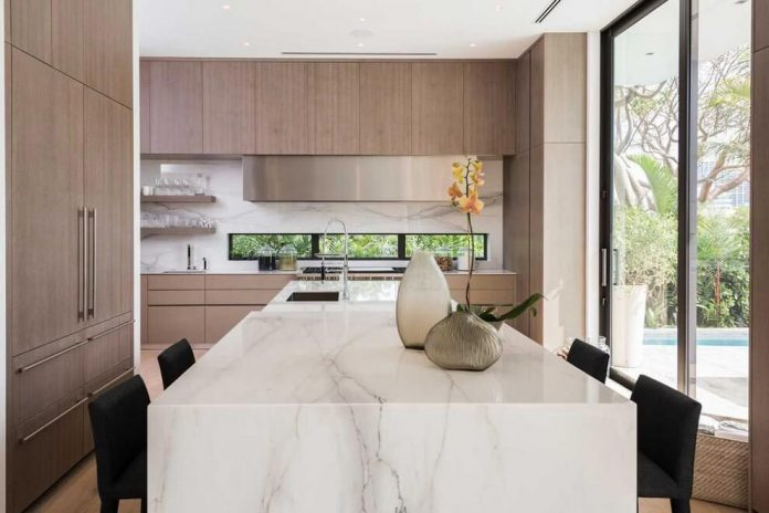 todd-michael-glaser-designed-contemporary-waterfront-villa-miami-beach-06