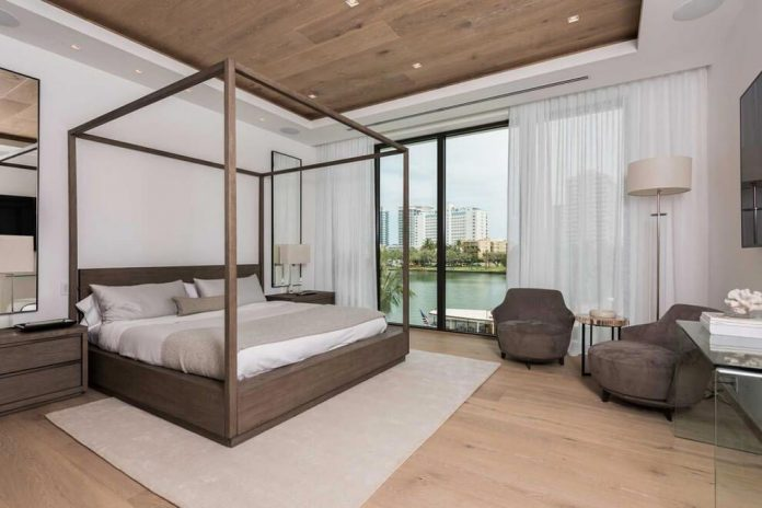 todd-michael-glaser-designed-contemporary-waterfront-villa-miami-beach-09
