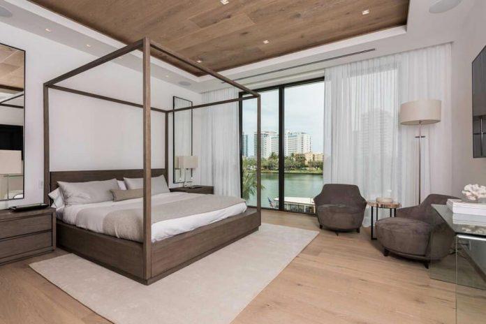 todd-michael-glaser-designed-contemporary-waterfront-villa-miami-beach-09