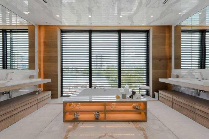 todd-michael-glaser-designed-contemporary-waterfront-villa-miami-beach-11