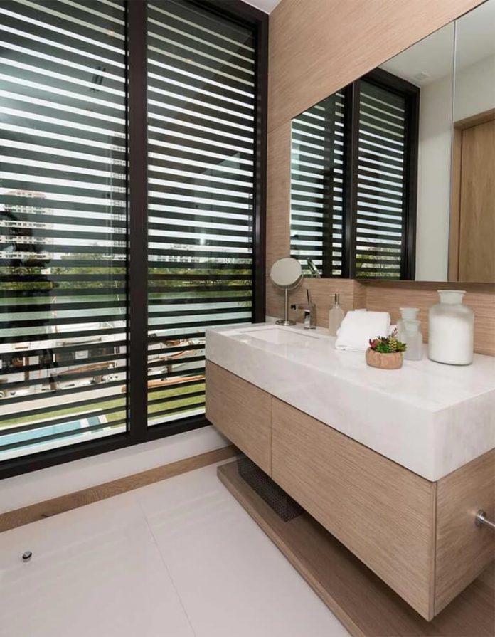 todd-michael-glaser-designed-contemporary-waterfront-villa-miami-beach-14
