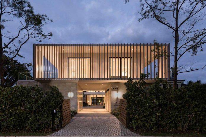 todd-michael-glaser-designed-contemporary-waterfront-villa-miami-beach-21