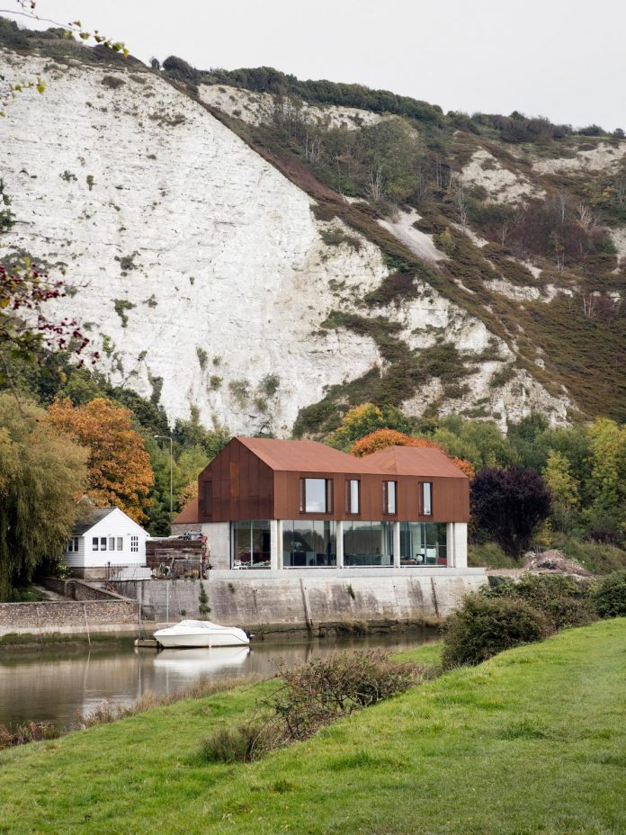 transformation-wharf-old-quarry-located-within-scenic-south-downs-national-park-banks-river-ouse-lewes-east-sussex-08