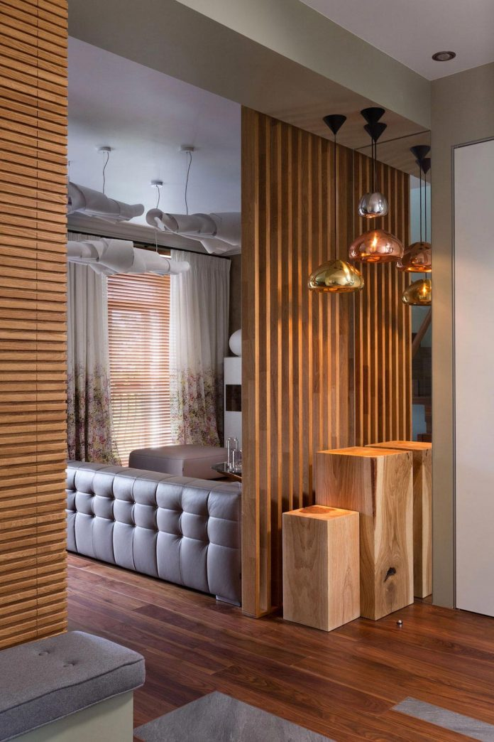 two-level-chic-apartment-located-historic-building-center-kiev-02