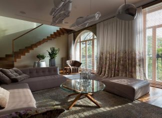 Two level chic apartment located in a historic building in the center of Kiev
