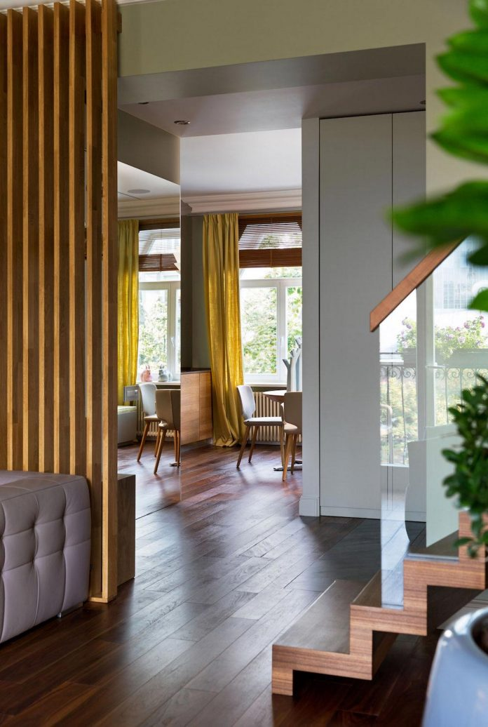 two-level-chic-apartment-located-historic-building-center-kiev-10