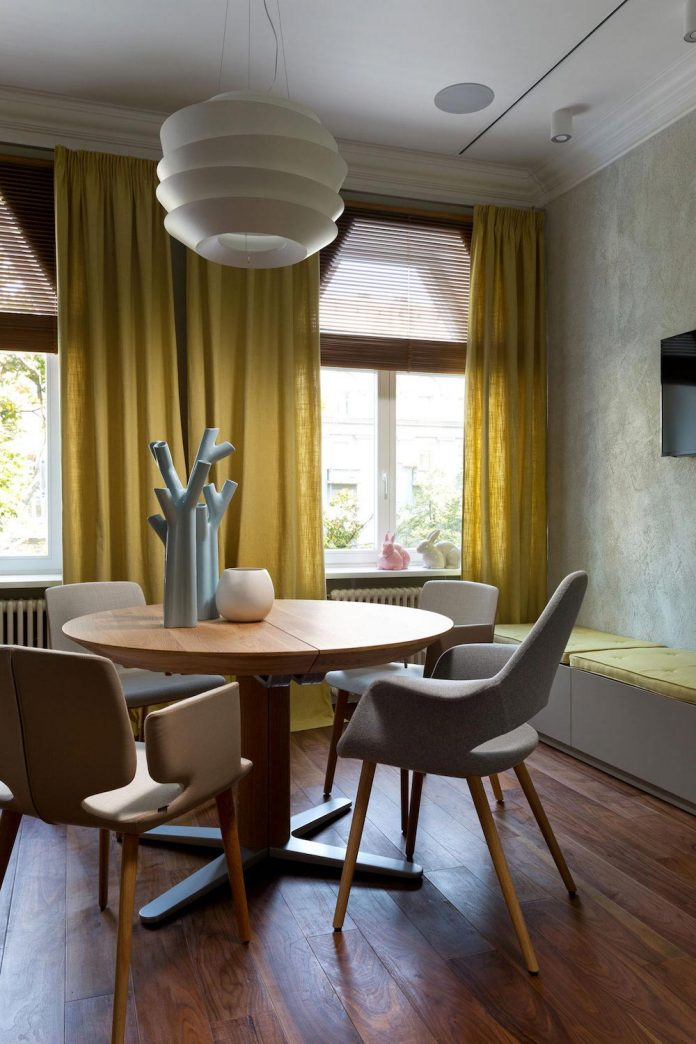 two-level-chic-apartment-located-historic-building-center-kiev-12