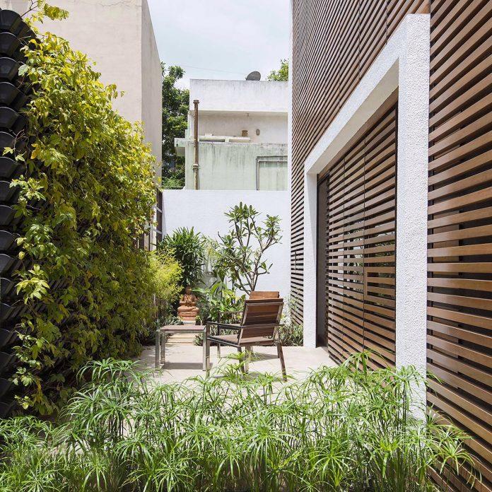 two-story-badri-residence-located-jayanagar-bangalore-designed-architecture-paradigm-10