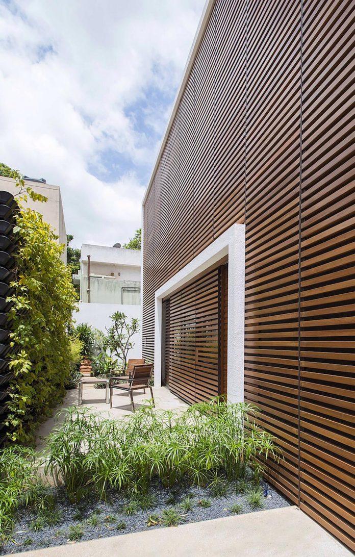 two-story-badri-residence-located-jayanagar-bangalore-designed-architecture-paradigm-12