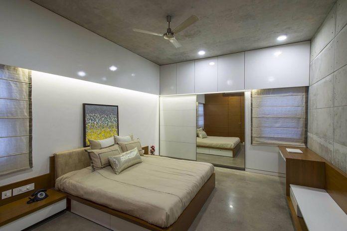 two-story-badri-residence-located-jayanagar-bangalore-designed-architecture-paradigm-17