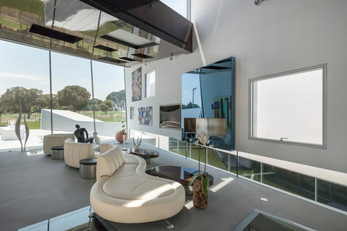 ultramodern-huge-home-exclusive-area-madrid-designed-well-known-international-sportsman-08