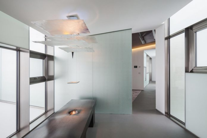 ultramodern-huge-home-exclusive-area-madrid-designed-well-known-international-sportsman-10